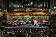 """2018诺贝尔颁奖典礼举行,现场乐队用音乐演示""""免疫疗法"""""""